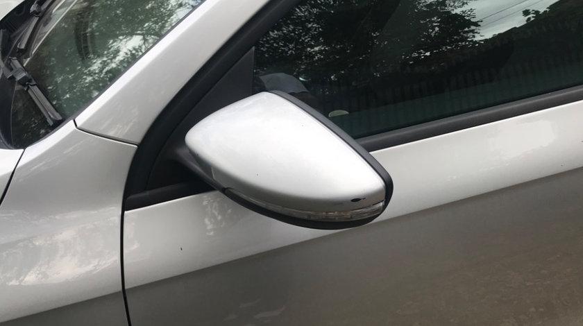 Oglinda stanga Volkswagen Passat B7 2012