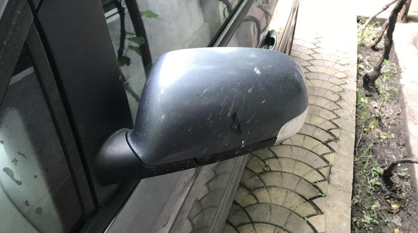 Oglinda stanga Volkswagen touran 2005