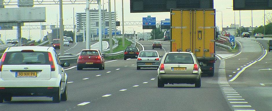 "Olanda a redus viteza pe autostrada la doar 100 km/h, insa soferii n-au de gand sa respecte noua limita. ""Mai bine luam amenda"""