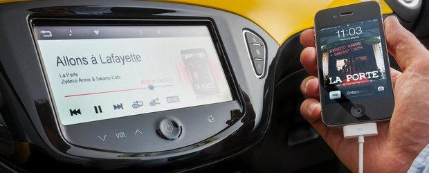 Opel Adam vine cu Siri