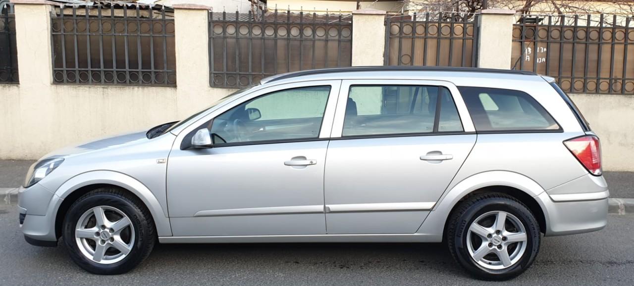 Opel Astra 1.6 benzina 2009