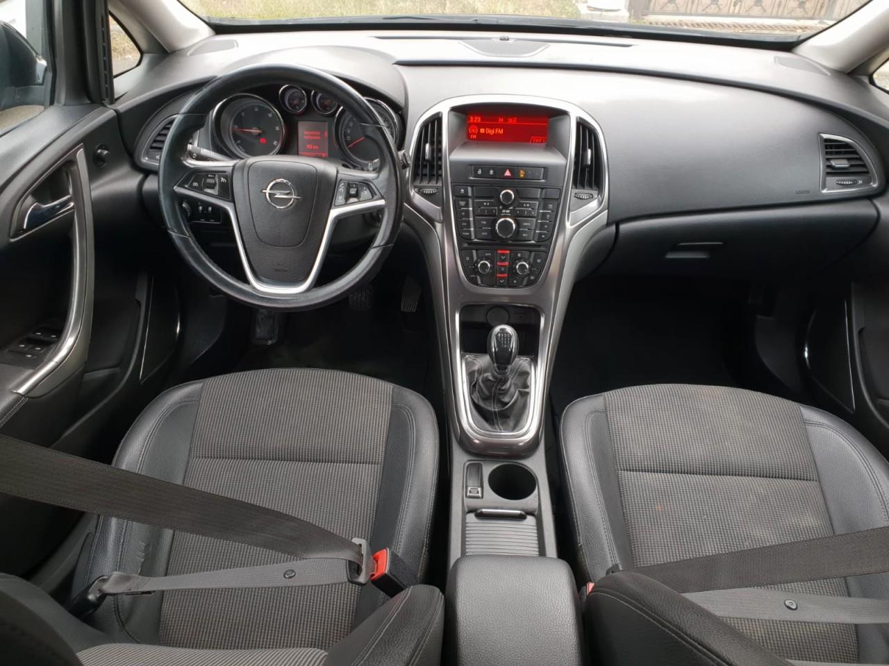 Opel Astra 1.7 CDTI 2011
