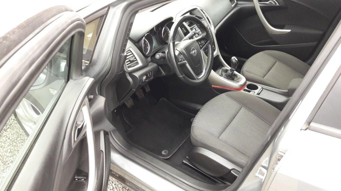 Opel Astra 1.7 CDTI 2012