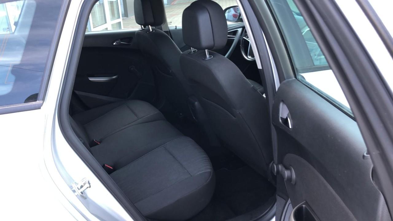 Opel Astra 2.0 2013