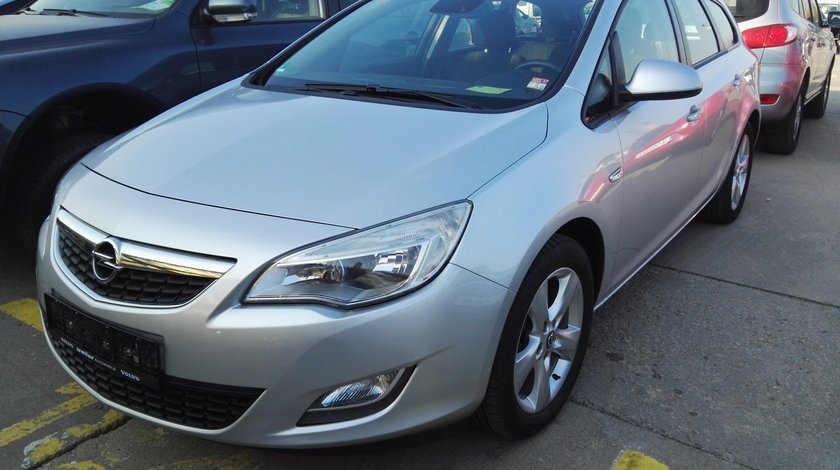 Opel Astra 2.0 CDTI 2011