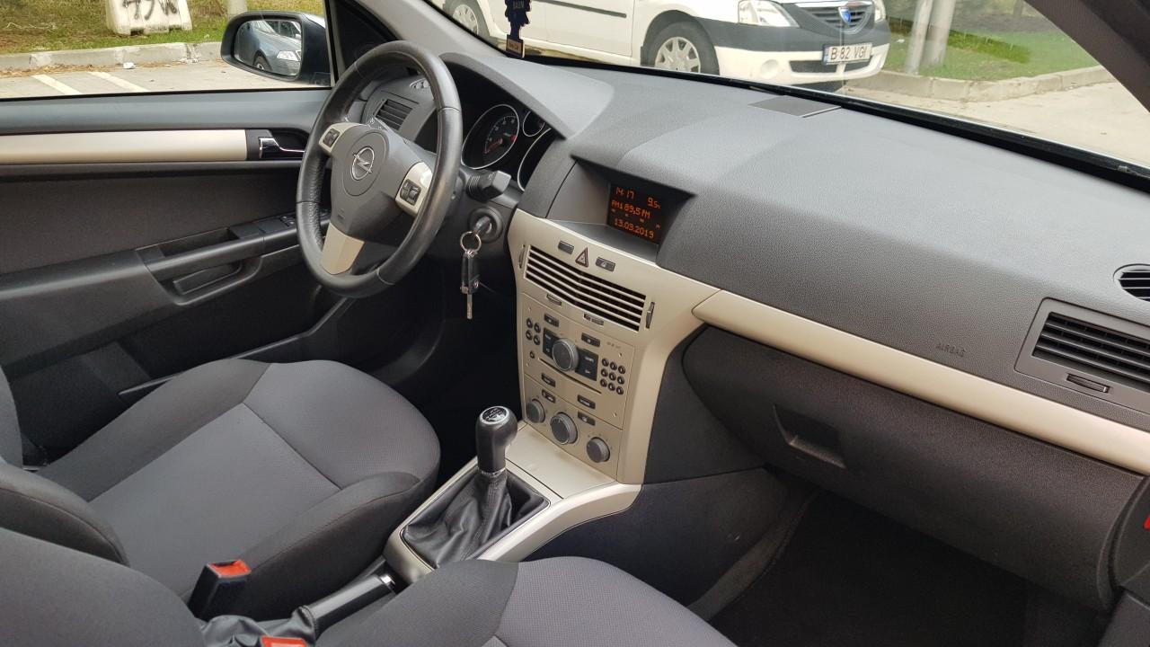Opel Astra Benzina 2009
