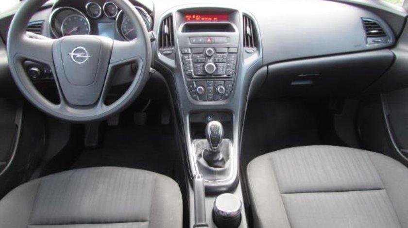 Opel Astra J Essentia 1.4 XER 100 CP M5 2012