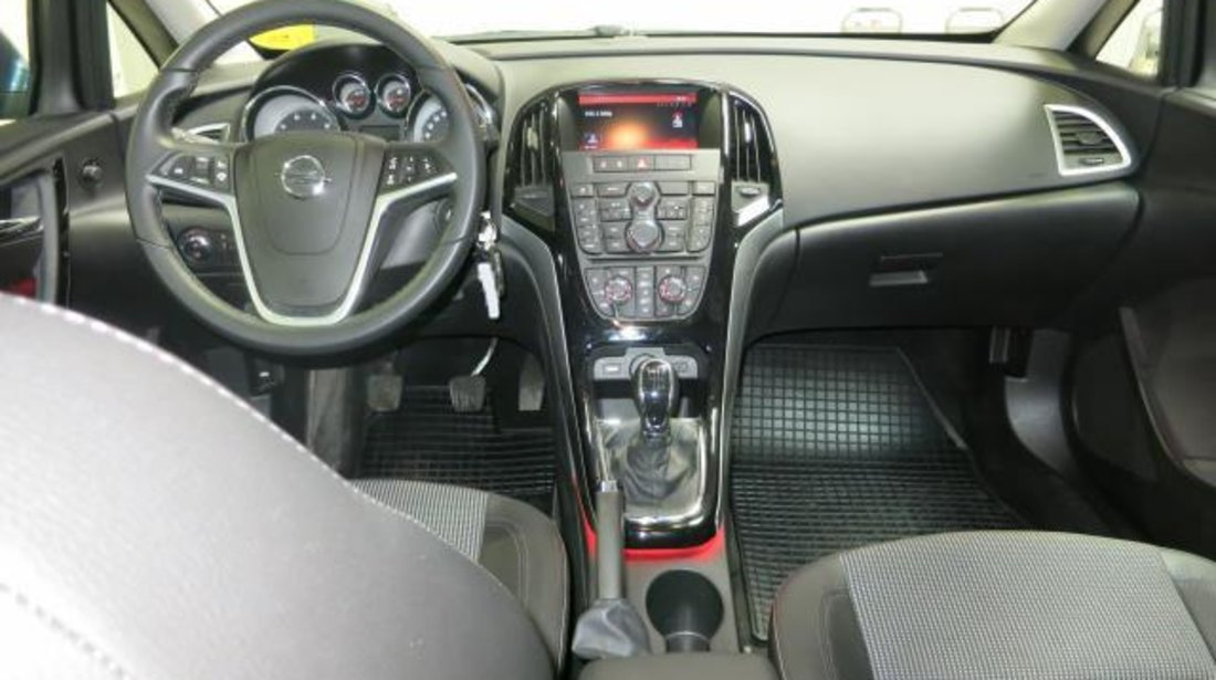 opel astra j sports tourer 1 6 cdti 110 cp cosmo s s 2015. Black Bedroom Furniture Sets. Home Design Ideas