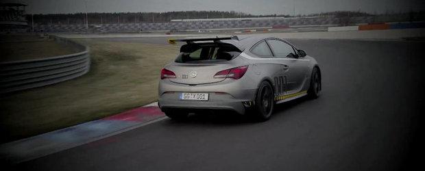 Opel Astra OPC Extreme ne ofera o prima portie de actiune pe circuit