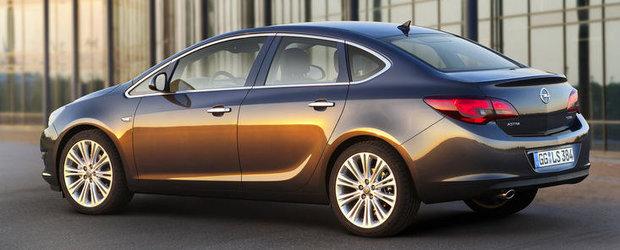 Opel Astra Sedan - Primele imagini cu noua generatie!