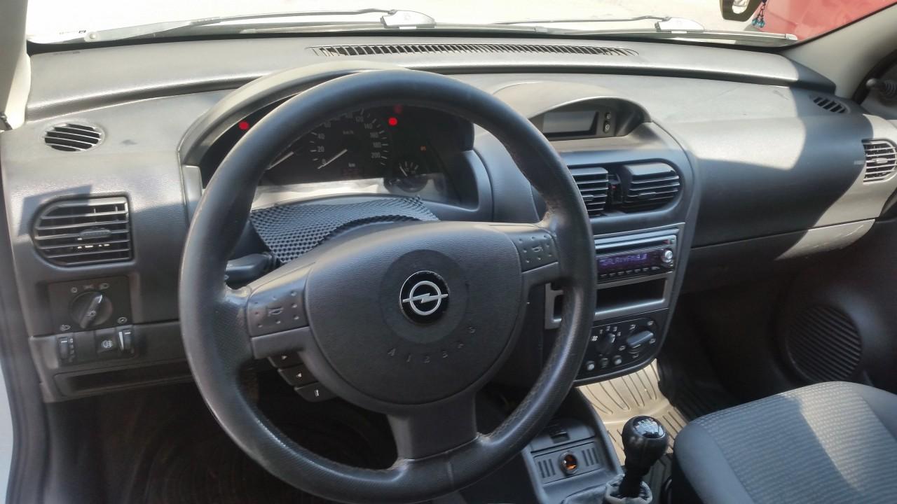 Opel Corsa 1.3 dci 2004