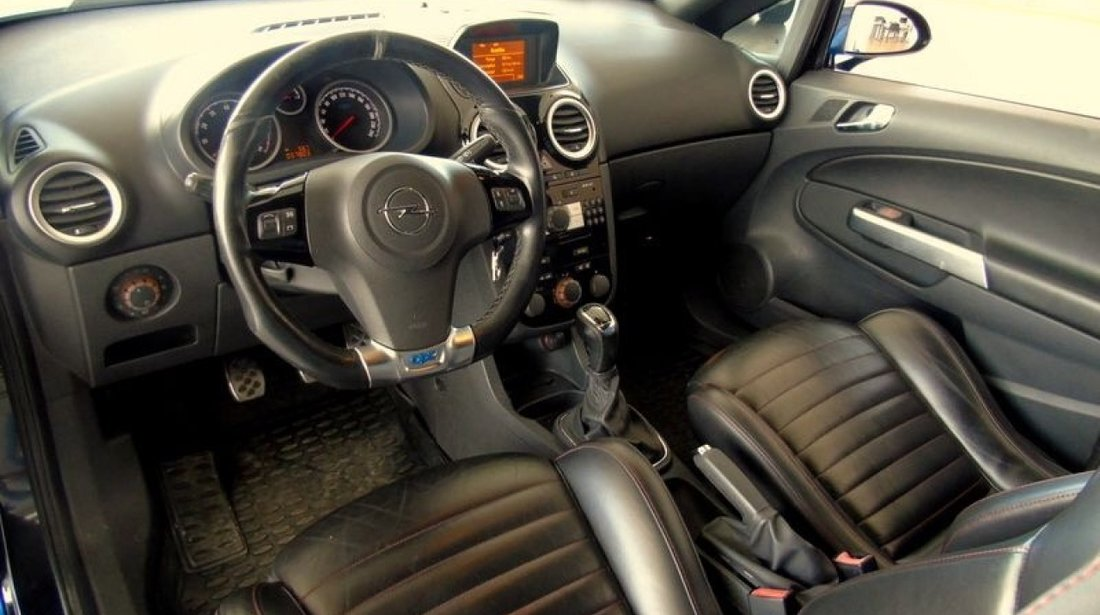 Opel Corsa 1.6 turbo 2008