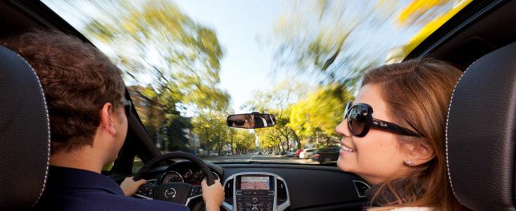 Opel GTC Astra: Parbrizul panoramic ofera noi perspective