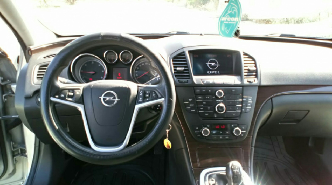 Opel Insignia 2.0 2009