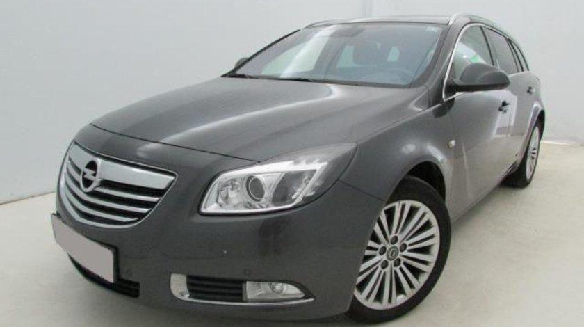 Opel Insignia Cosmo 2.0 CDTi 16v 160 CP M6 Start&Stop Sports Tourer 4x4 2012