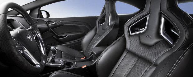Opel lanseaza scaune de inalta performanta pentru noul Astra OPC