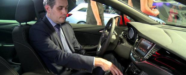 Opel prezinta un odorizant inovativ si un suport de telefon pentru noile modele Astra