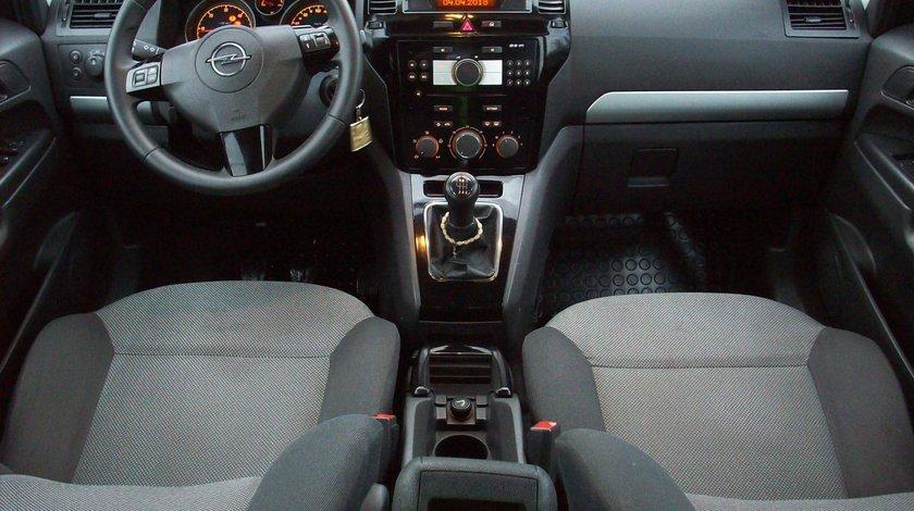 Opel Zafira 17cdti 2014