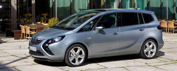Opel Zafira Tourer castiga 'Volanul de Aur 2012'