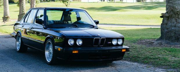 Oricine cumpara acest BMW M5 da lovitura. Masina bavareza are MOTOR TURBO si peste 400 CP sub capota