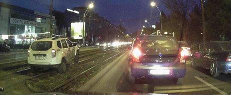 Oricum e masina de firma: Cum sa pui pe butuci un Duster mergand pe sina de tramvai