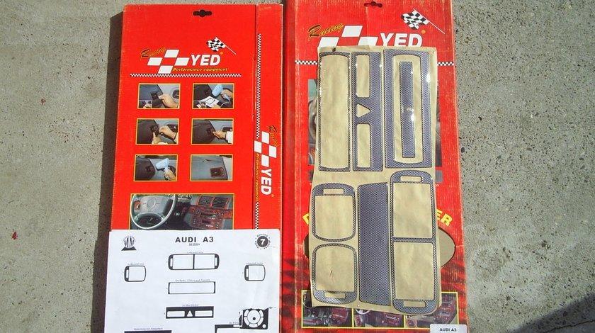 ORNAMENT AUTOCOLANT BORD AUDI A3 FUNDAL CARBON -COD INTAU01
