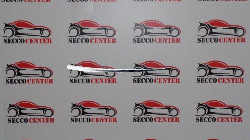 Ornament bara fata BMW Seria 7 F01 F02 2012 2013 2014 2015 dreapta