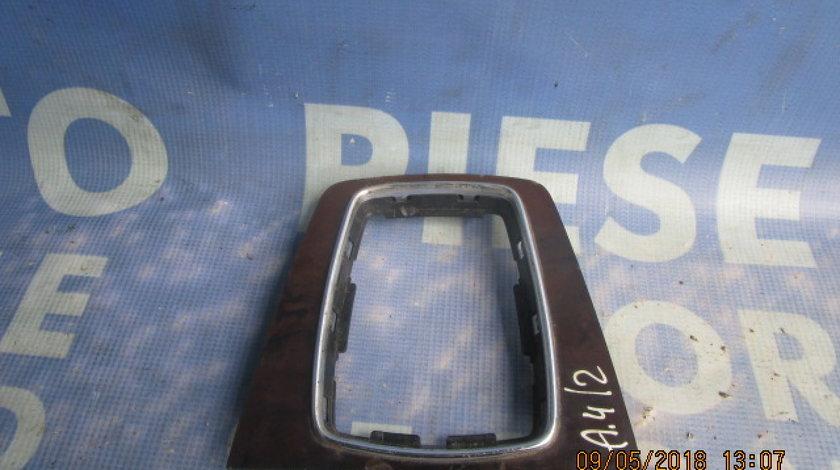 Ornament bord Audi A4 ; 8E0864261 (consola)