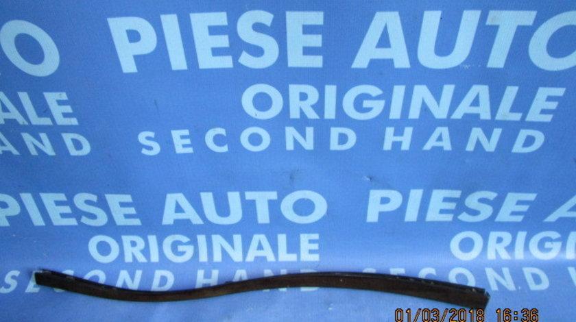 Ornament bord Mercedes E240 W211 ;  A211800471
