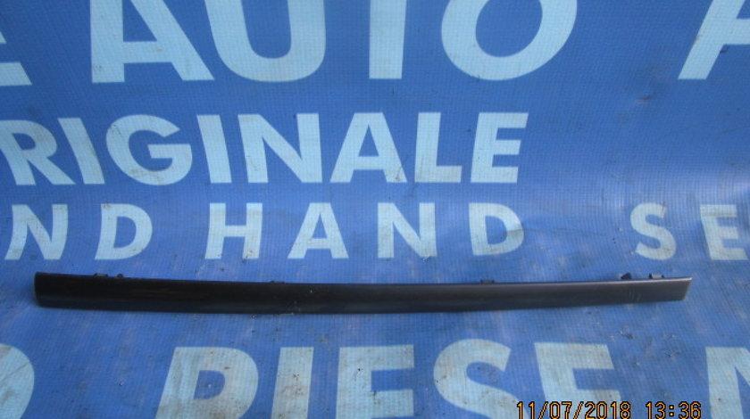 Ornament bord Renault Clio ; 8200407858 // 8200407880