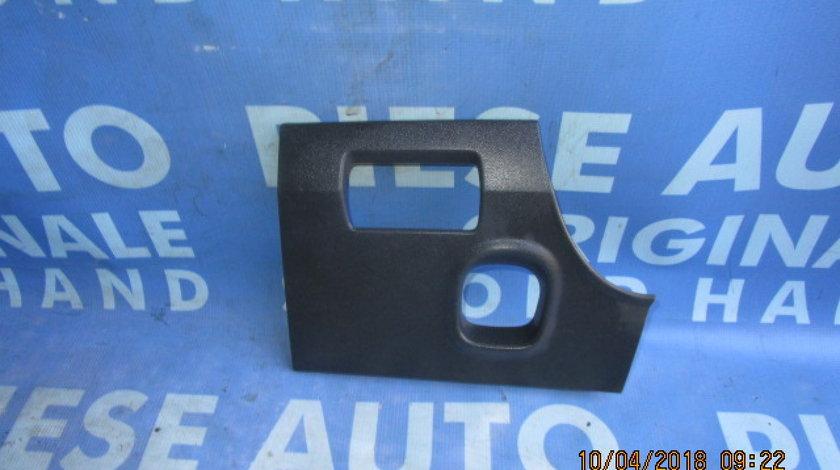 Ornament bord Renault Megane ; 8200182566