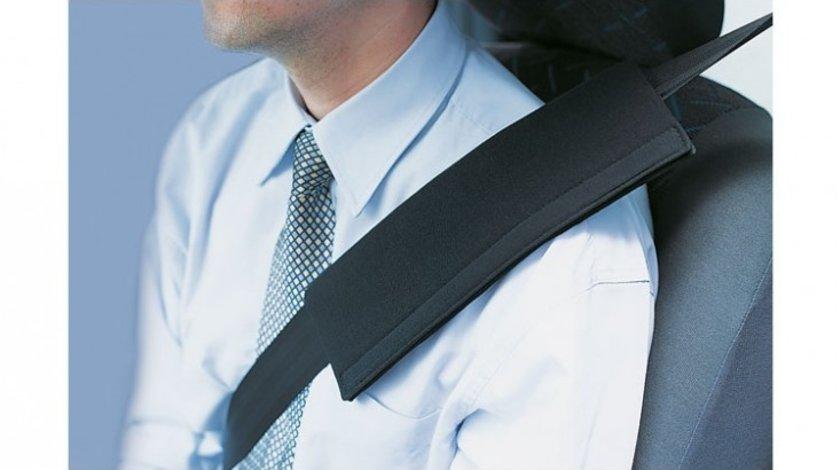 Ornament centura siguranta auto Kegel Basic Line, culoare negru, din bumbac