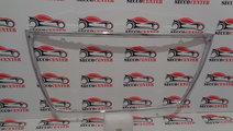 Ornament crom grila radiator Mitsubishi Outlander ...