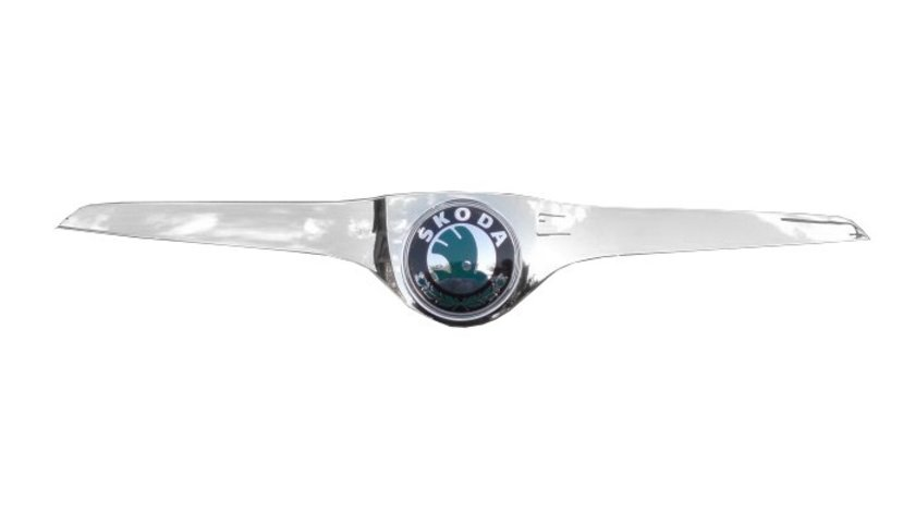 Ornament cromat cu emblema pe original pt skoda fabia de la an 2010-