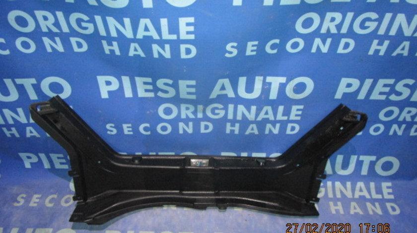 Ornament portbagaj Mercedes C200 W203;  A2036900525;