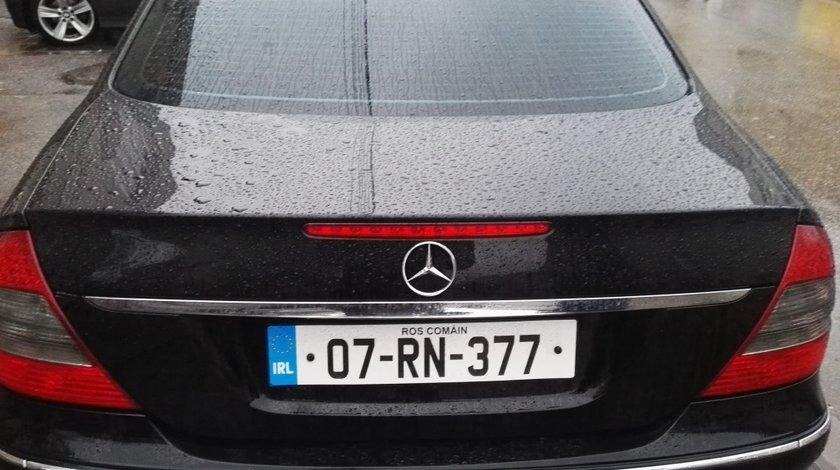 Ornament portbagaj Mercedes E class w211 Facelift Avantgarde