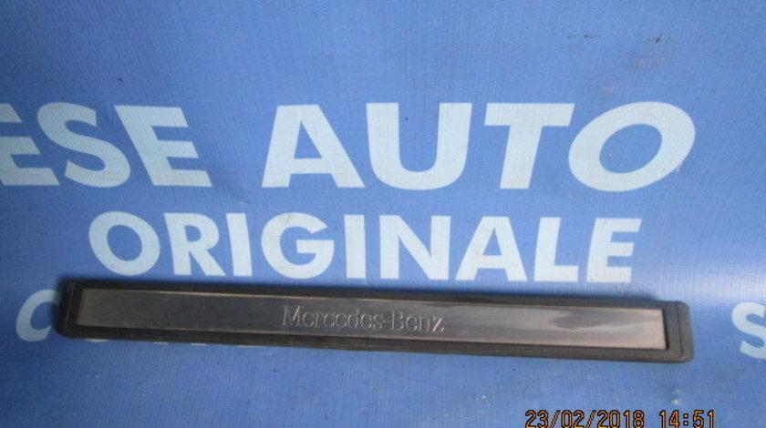 Ornament prag Mercedes E240 W211 ; 2116801335 // 2116801435 (fata exterior)
