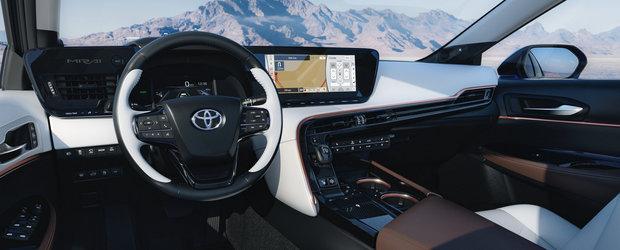 OZN, frate! Cea mai noua masina de la Toyota arata ca o farfurie zburatoare!