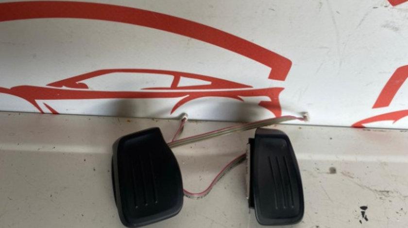 Padele Volan 3C8951527 / 3C8951528 Volkswagen Passat B7 / CC