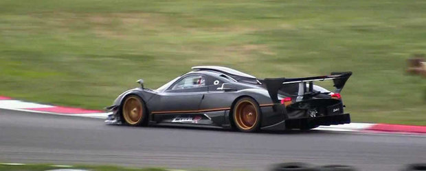 Pagani Zonda Revolucion da buzna pe circuit, suna exact ca o masina de F1