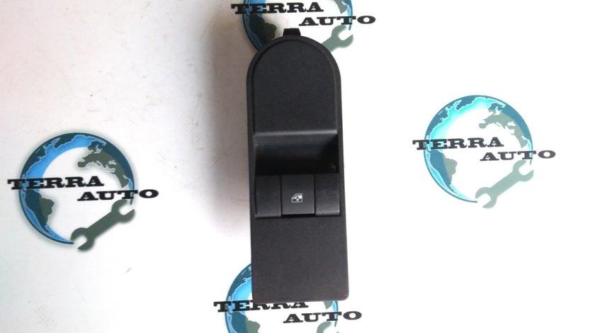 Panou comanda geam dreapta Opel Astra H cod 13197132