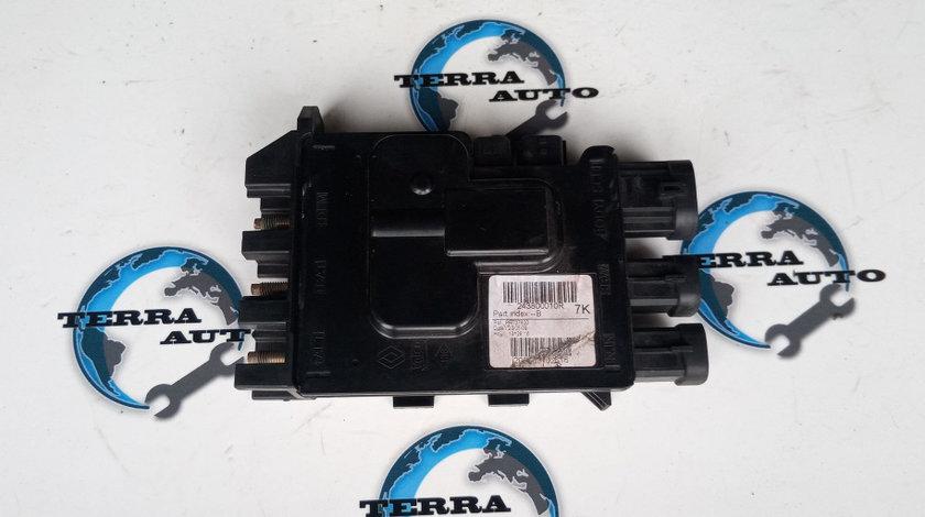 Panou sigurante borna Dacia Duster 1.6 16V cod motor K4M-R8
