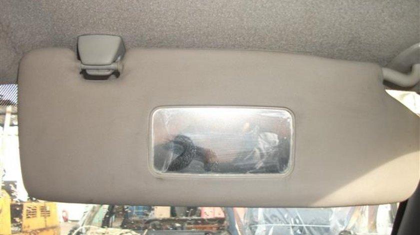 Parasolar dreapta cu oglinda curtoazie Ford Fiesta An 2000