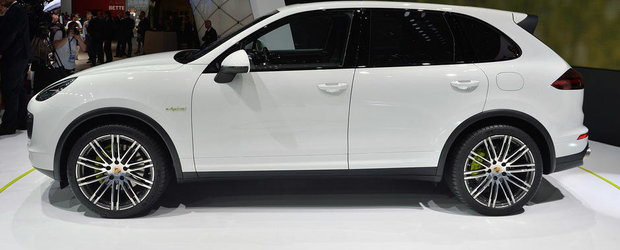 Paris 2014: Noul Cayenne S E-Hybrid ofera 416 CP, consuma 3.4 l/100 km