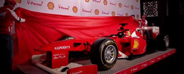 Pasiune sau nebunie? Monopost Ferrari realizat integral din piese LEGO!
