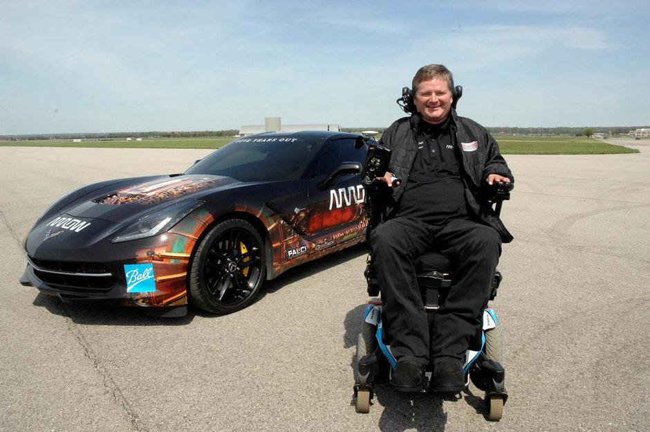 Pasiunea pentru viteza: desi paralizat, va conduce in Indy 500 cu... capul