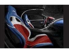 Patru Bugatti Divo