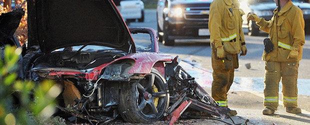 PAUL WALKER a murit. IPOTEZELE politiei si IMAGINI de la locul accidentului
