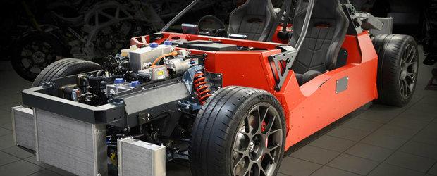 Pe acest schelet va fi construita viitoarea masina de la Atom. Va avea patru motoare electrice si o turbina mai speciala