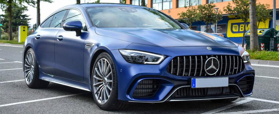 Pe albastru mat este DEMENTA TOTALA! Poze din Pamplona cu noua masina de la Mercedes-AMG